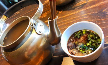 【福岡・おうどん】やかんで食べるうどんは、うどん居酒屋「博多あかちょこべ」さん。